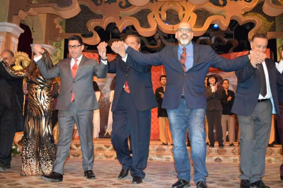 عاصم نجاتي في افتتاح المسرحية