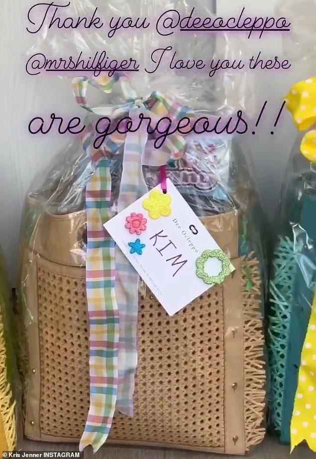 هدايا تلقتها عائلة كاردشيان بمناسبة عيد الفصح (2)