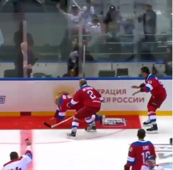 لحظة سقوط الرئيس الروسي