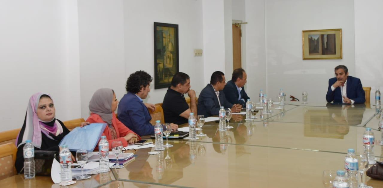 اللجنة العليا للقومي للمسرح المصري (3)