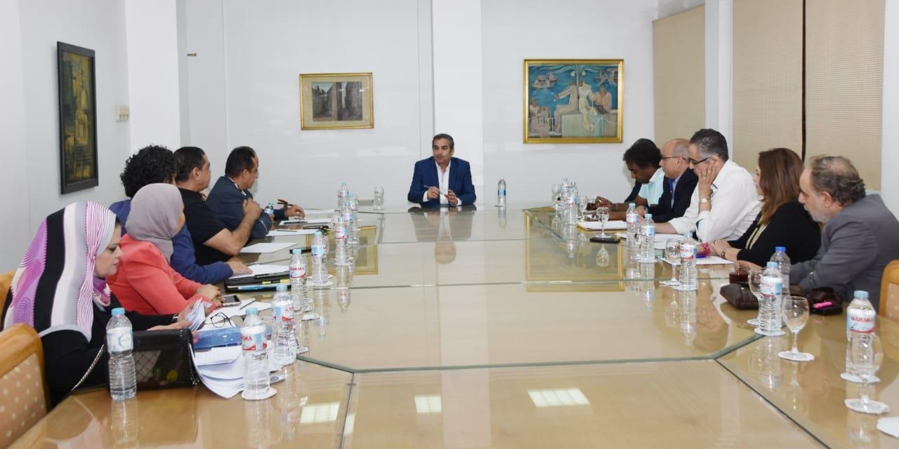 اللجنة العليا للقومي للمسرح المصري (1)