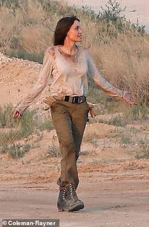 أنجلينا جولى (2)