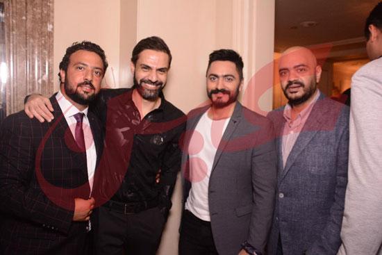 الشاعر  أمير طعيمة والمنتج ياسر خليل وحسام حسنى شقيق الفنان تامر حسنى