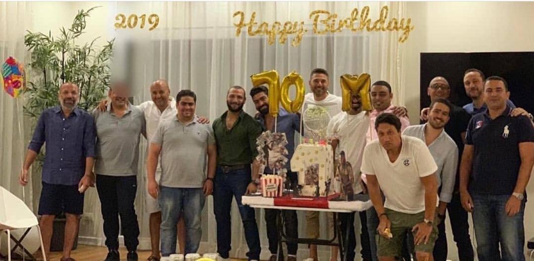 أحمد عز يحتفل بعيد ميلاده برفقه أصدقائه في الساحل الشمالي (2)