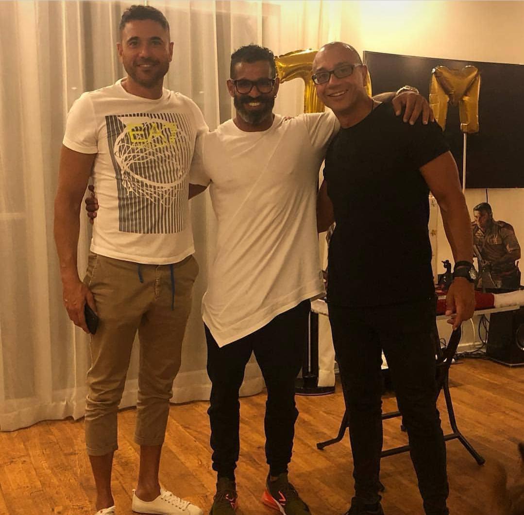 أحمد عز يحتفل بعيد ميلاده برفقه أصدقائه في الساحل الشمالي (4)