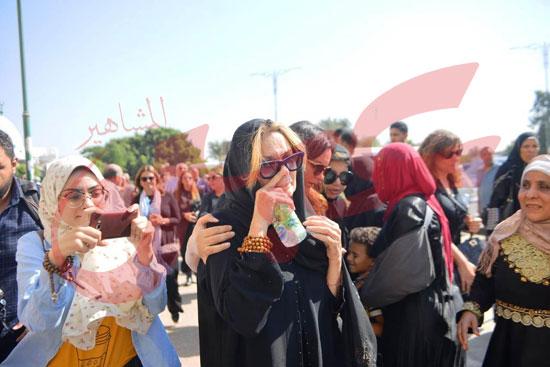 جنازة والدة الفنانة يسرا (45)