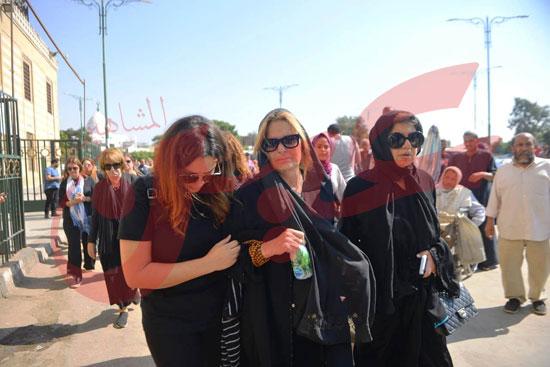 جنازة والدة الفنانة يسرا (53)