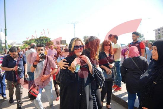 جنازة والدة الفنانة يسرا (42)