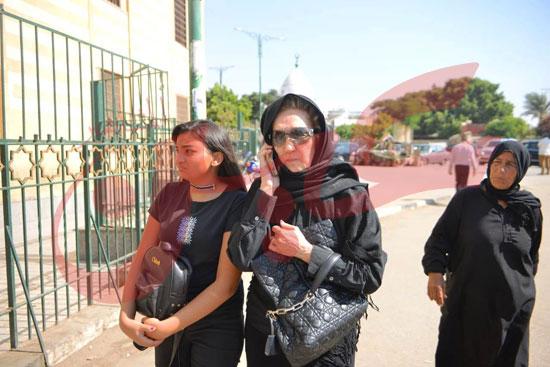 جنازة والدة الفنانة يسرا (30)