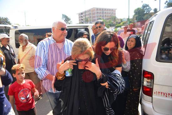 جنازة والدة الفنانة يسرا (54)