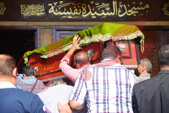 جنازة والدة الفنانة يسرا (57)