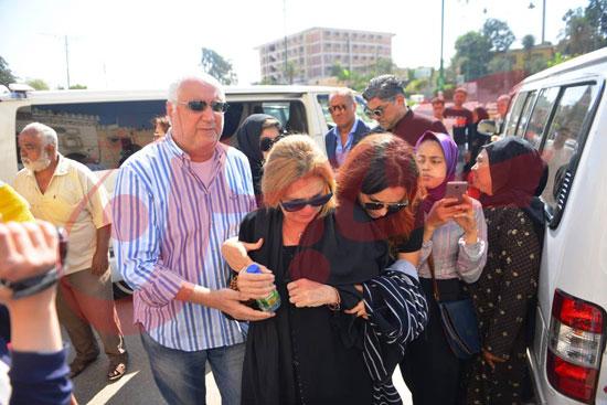 جنازة والدة الفنانة يسرا (56)