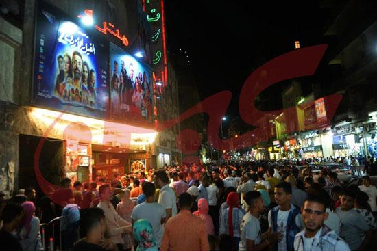 استمرار إقبال الجمهور على الفيل الأزرق وولاد رزق فى خامس أيام العيد (3)