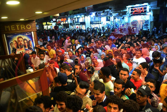 استمرار إقبال الجمهور على الفيل الأزرق وولاد رزق فى خامس أيام العيد (5)