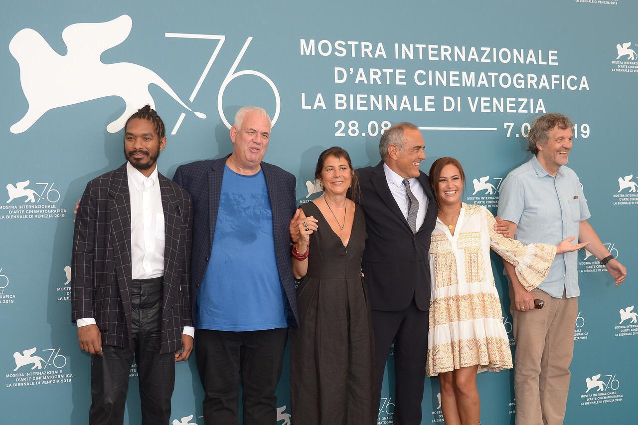 هند صبرى تفوز بجائزة starlight cinema award (4)