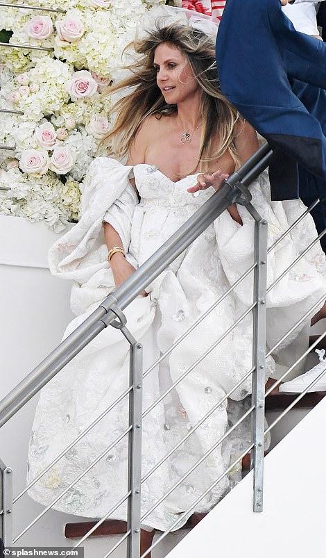 من حفل زفاف هيدي كلوم و كوليتز (5)