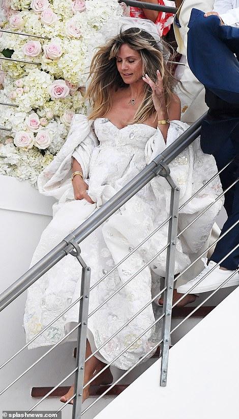 من حفل زفاف هيدي كلوم و كوليتز (7)