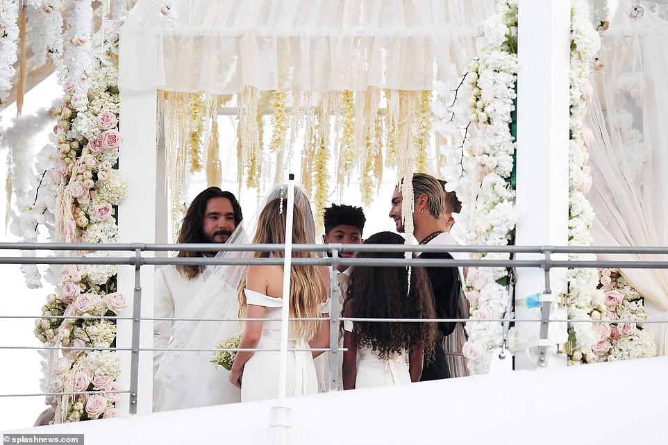 من حفل زفاف هيدي كلوم و كوليتز (9)