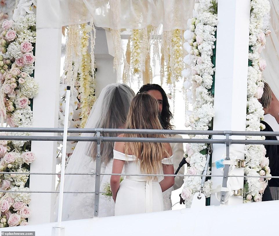 من حفل زفاف هيدي كلوم و كوليتز (3)