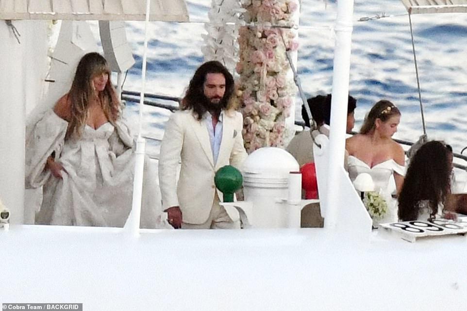 من حفل زفاف هيدي كلوم و كوليتز (12)