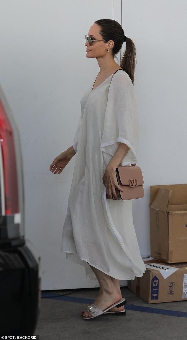 انجلينا جولي (3)