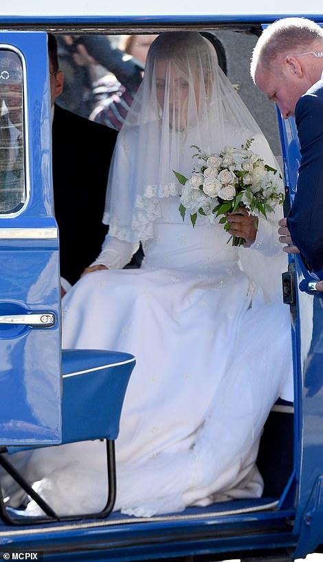 من حفل زفاف ايلي جولدينج  (1)