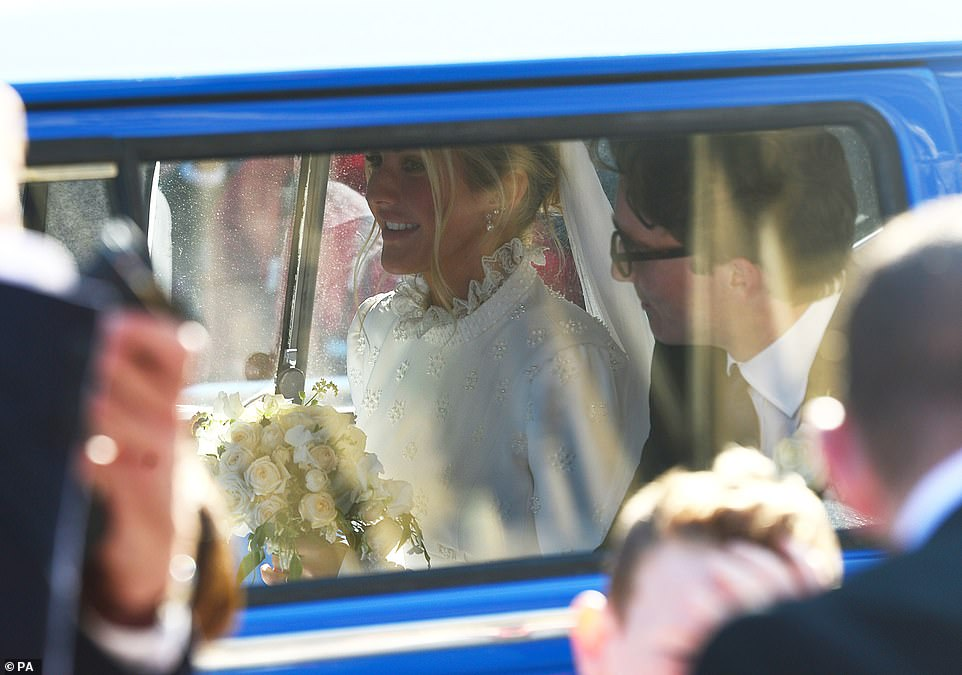 من حفل زفاف ايلي جولدينج  (2)