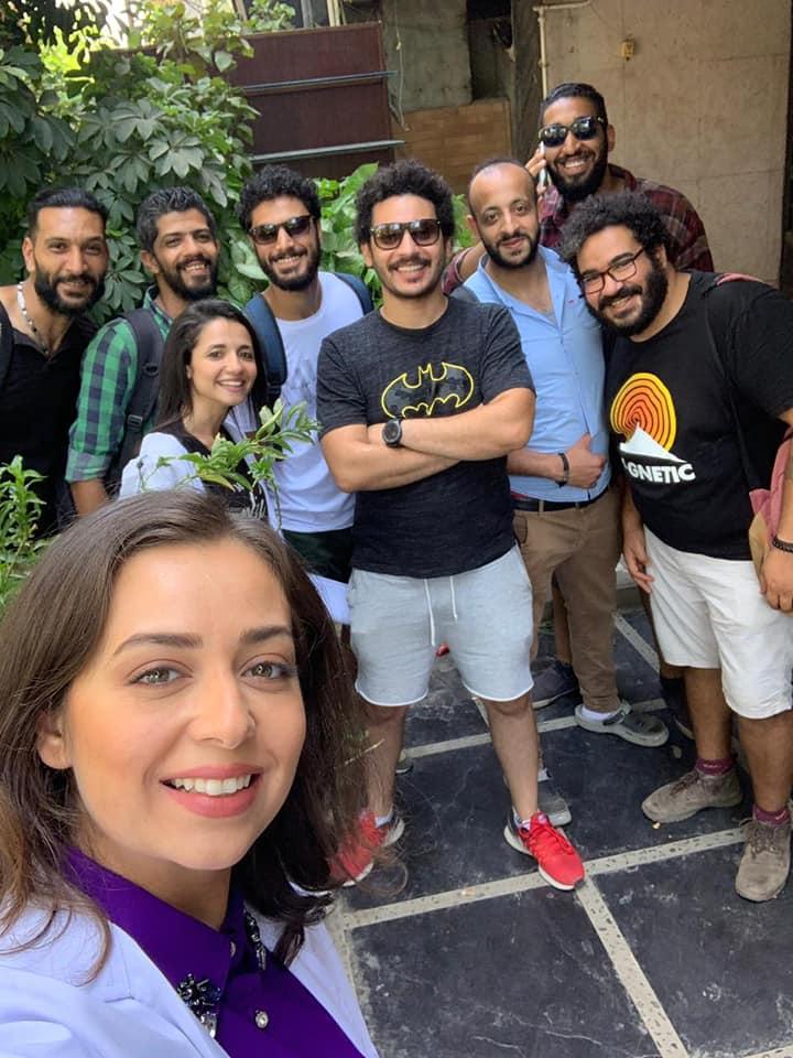 هبة مجدى مع فريق عمل المسلسل