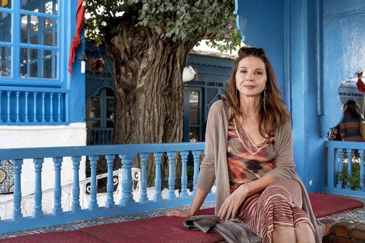 فيكتوريا أبرِل (6)
