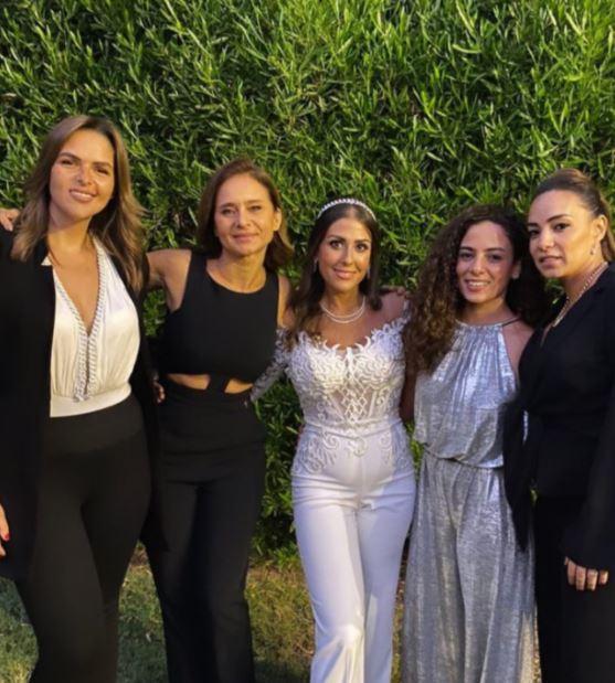 نيللى كريم  تحتفل بزفاف صديقتها (2)