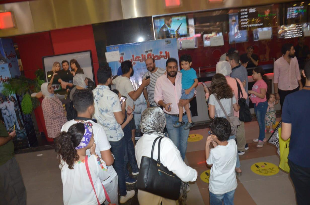 محمد عبد الرحمن مع الجمهور (7)