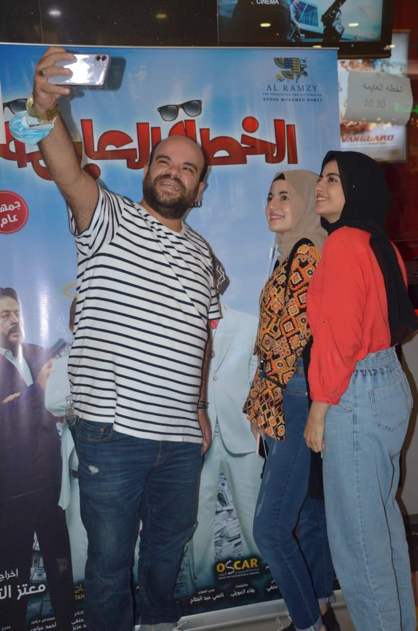 محمد عبد الرحمن مع الجمهور (9)