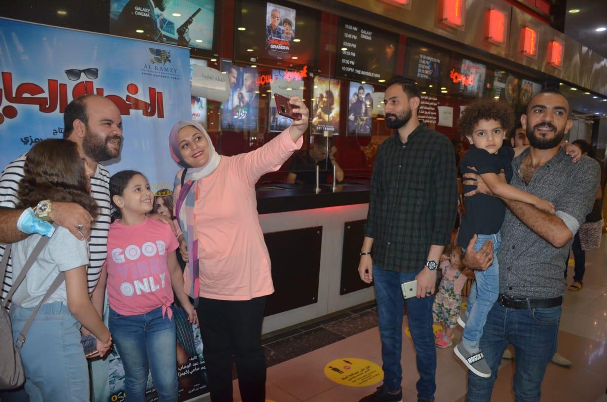 محمد عبد الرحمن مع الجمهور (6)
