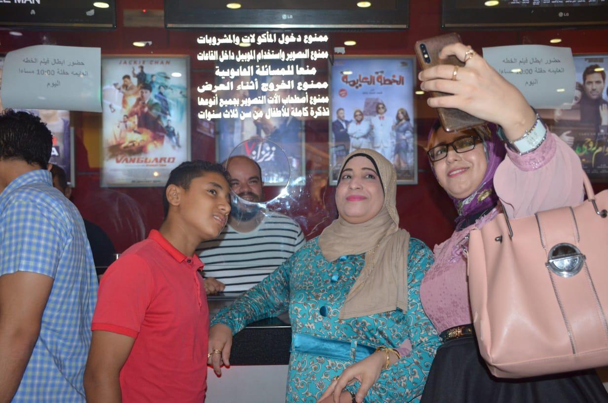 محمد عبد الرحمن مع الجمهور (16)