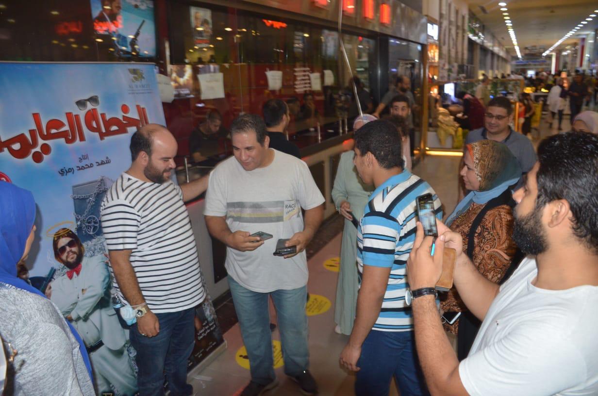محمد عبد الرحمن مع الجمهور (8)