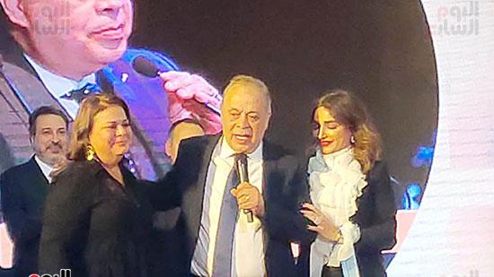 تكريم اشرف زكي وسط زوجته روجينا وشقيقته متجدة زكي