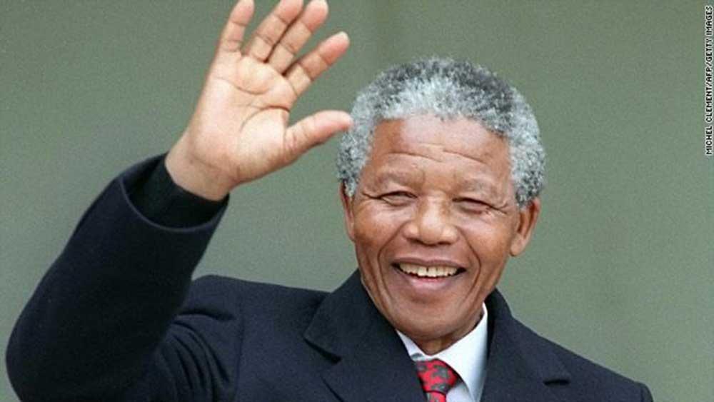 نجوم مثلو شخصية نيلسون مانديلا (8)