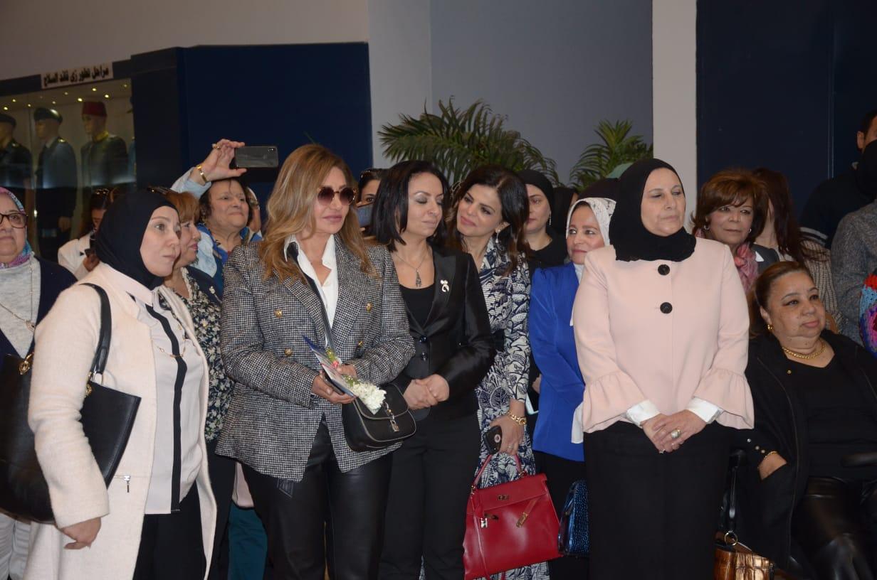 ليلي علوي ومايا مرسي (1)