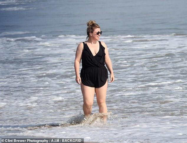 كيلي كلاركسون علي الشاطئ (5)