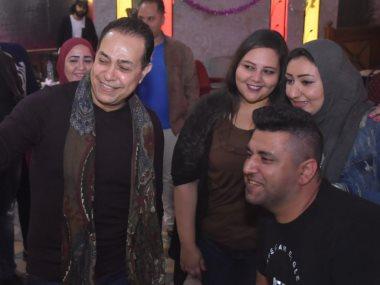 حكيم يلتقى جمهوره