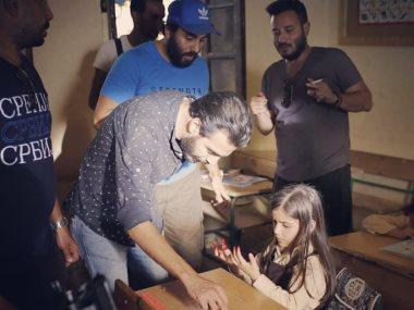 المخرج معتز هشام والطفلة ريم عبد القادر
