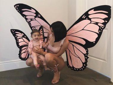 كايلى جينر وابنتها