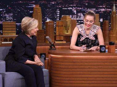 مايلى سايرس مع هيلارى كلينتون