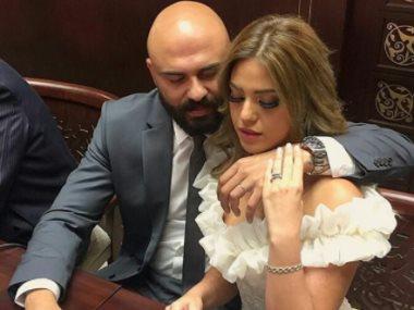 أحمد صلاح حسني وزوجته