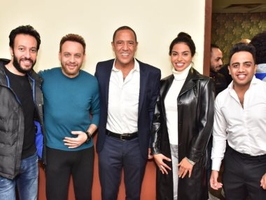 نسرين أمين ومصطفى قمر مع نجوم مسرح مصر