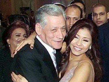 شيرين مع والدها
