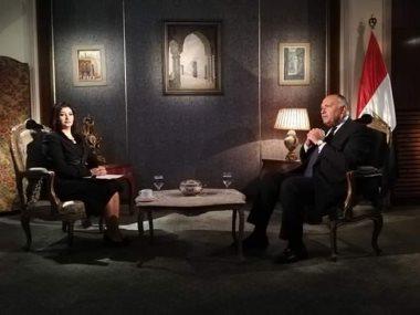 وزير الخارجية سامح شكرى مع الإعلامية هناء سمرى