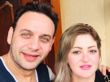 مصطفى قمر و زوجته