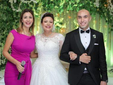 جنات مع العروسين