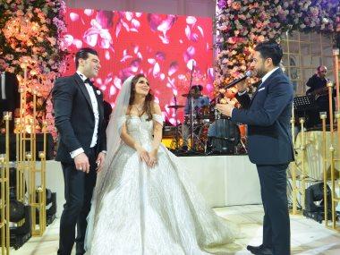 حماقى وبوسى يشعلان حفل زفاف رشا وخالد